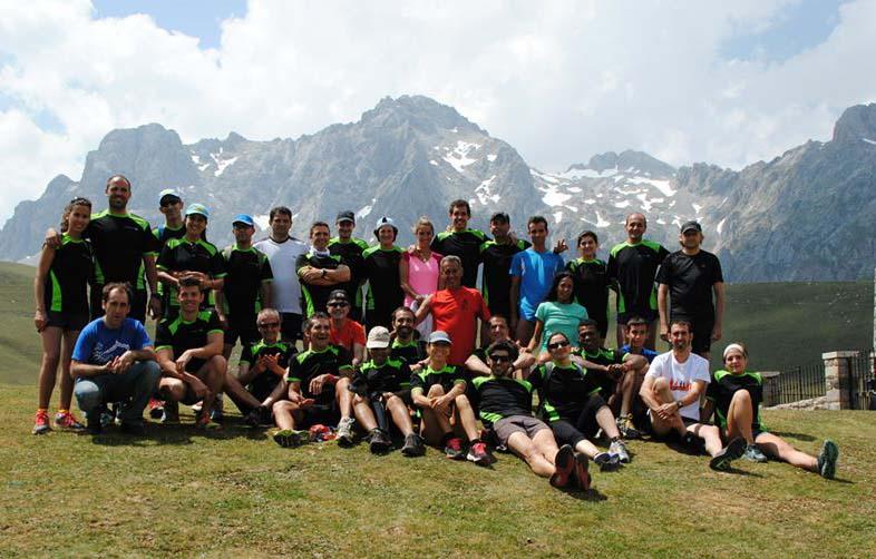 Participantes y organizadores de la I Training Camp Abascal 2013