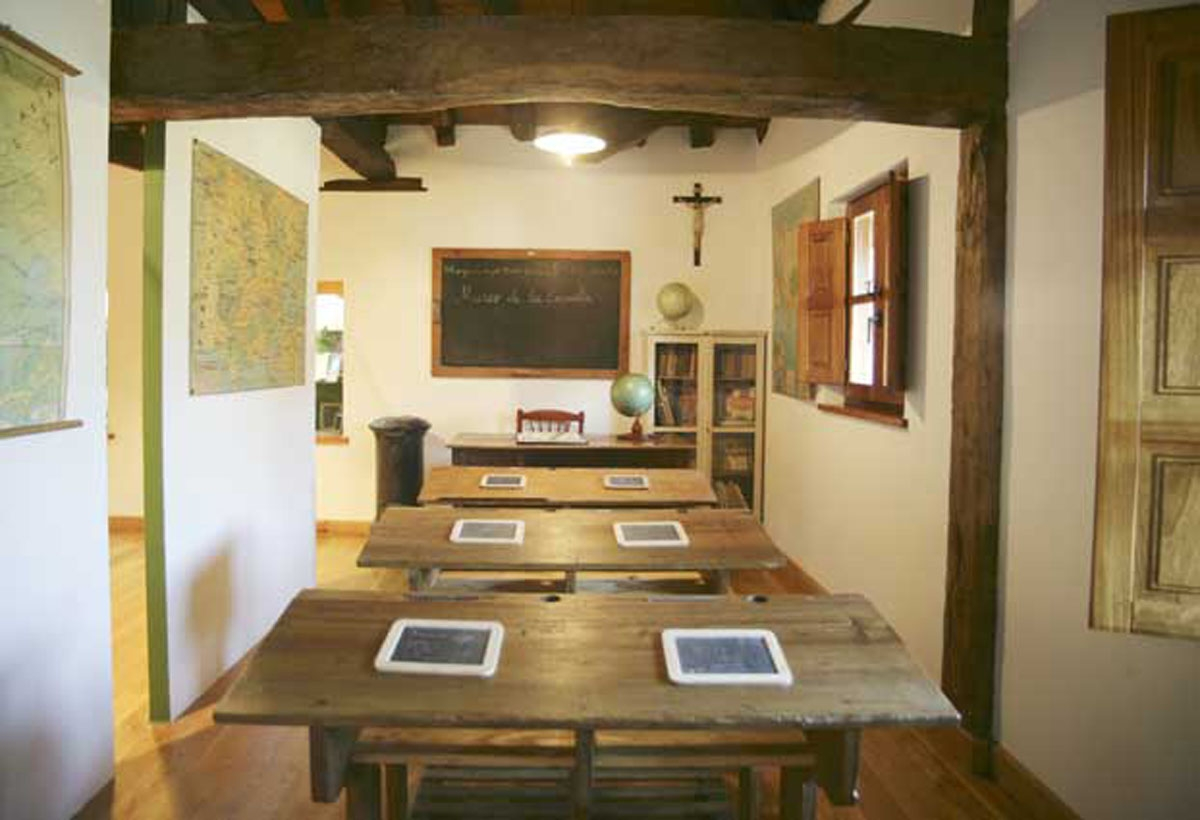 Interior Museo Escuela Mogrovejo