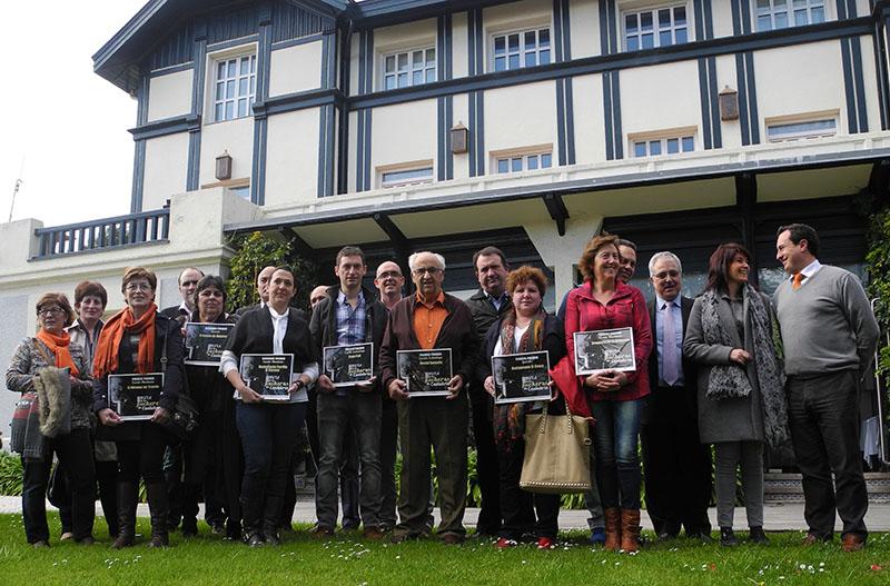 Foto de familia premiados Ruta Pucheros Cantabria 2015